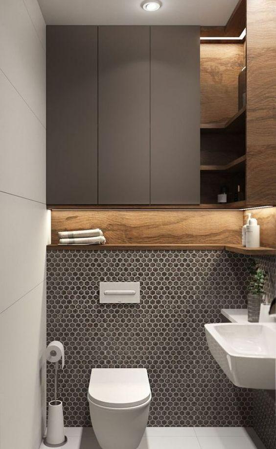 modern toilet idee met combinatie tussen wit, taupe en hout